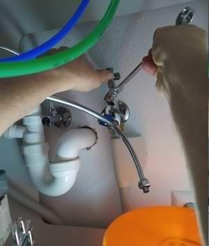 Wasserfilter Wasserhahn T Stück einbauen
